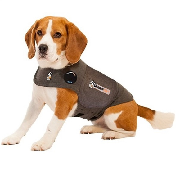 NWT. Thunder shirt/vest for dogs. Size M.